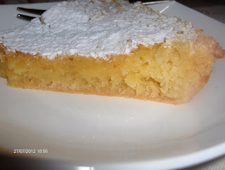 http://cucinamonamour.com/wp-content/uploads/2013/07/Lemon-Bar-fetta-2.jpg