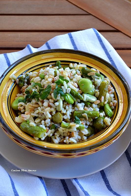 Mix cereali con asparagi e fave