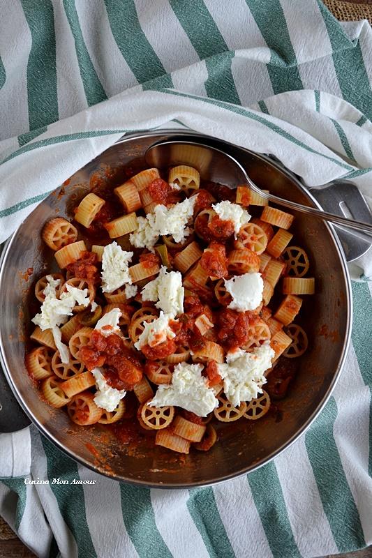 Ruotine pomodoro e mozzarella